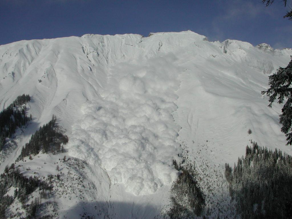 Avalanche en aérosol à la Sionne